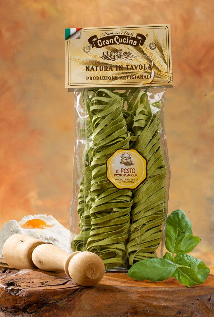 Tagliatelle All Uovo Con Pesto 250gr Tagliatelle Mit Basilikum Hatos Gmbh